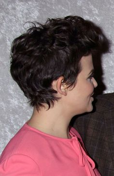 Ginnifer Goodwins short, messy hairstyle