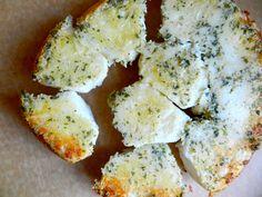 bread, bake, parmesan, pullapart biscuit, parsley pullapart, parsley biscuit, recip, yummi food, biscuits