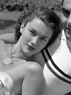Linda Christian, (1923-2011)--Forget Halle Berry—the very first Bond girl was a Latina! Actress Linda Christian, who was born Blanca Rosa Welter in Tamico, Tamaulipas, Mexico to a Mexican mom and a Dutch father, played the first Bond girl when she starred in the 1954 TV adaptation of the James Bond novel, Casino Royale. christians, bond girls, classic beauti, linda christian, necklac, actresses