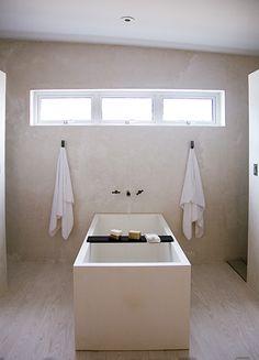 bathtub .