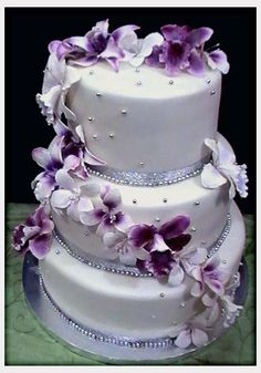 Decorations, White Wedding Cakes With Purple Flowers: Purple Flowers Wedding Decorations