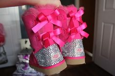 uggs with bows♡