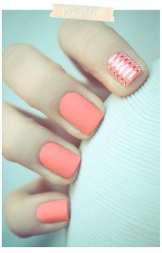 Matte nails in peach/pink