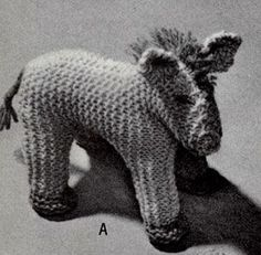 Toy Horse - Free Vintage Knitting Pattern here: http://www.freevintageknitting.com/free-toy-patterns/beehive78/toy-horse-pattern