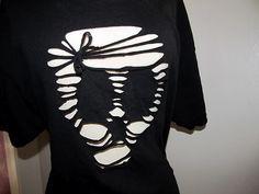 DIY Skull Cut Out Tee #cuttshirt