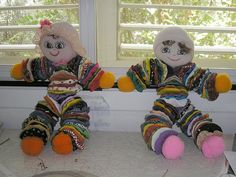 Happy little yo yo dolls.  I think these are very cute.