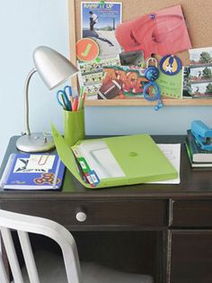 Start the semester off right with these easy organizing back-to-school  tips!