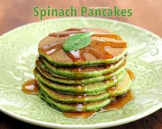 Spinach Pancakes, whole-wheat pancakes with fresh spinach, light and fluffy. #StPatricksDay #GoGreen #Spinach