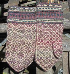 Ravelry: PatsKnitting's Handspun Latvian Mittens