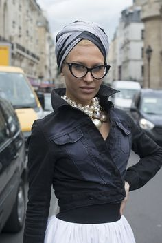 Having a hard time picking a favorite between the cool turban and cat-eye glasses #streetstyle
