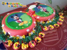TORTA DE MICKEY MOUSE Y MINNIE MOUSE