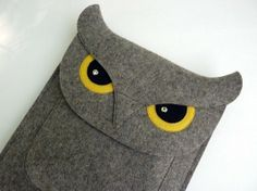 iPad sleeve  Owl in natural grey designer felt by BoutiqueID