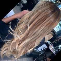 Waves and beauty hairstyle