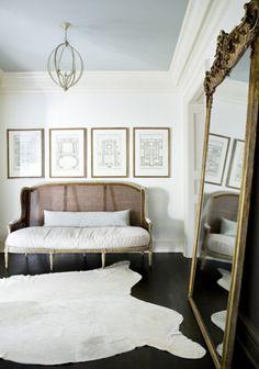 settee, floor mirror, rug - Melanie Turner Interiors