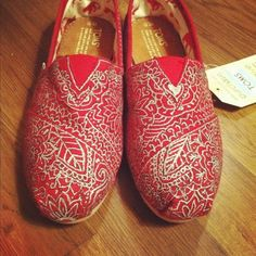 Mendhi Painted TOMS by esmeralda. I would actually want to wear toms because these are cool