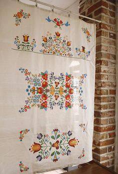 Hungarian embroidery big cut linen
