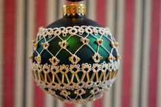 Tatted Ornament #8  Candlelight Altin Basak polyester thread, seed beads, bugle beads.