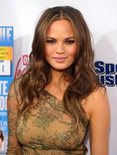 Chrissy Teigen!! Beautiful, beautiful hair! (well...and everything else too!)