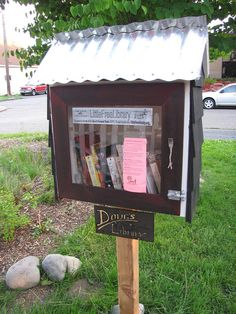 """Make a """"Little Free Library"""" in Your Neighborhood"""