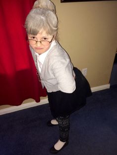Abby dressed up like she was 100 years old today for their 100th day of school celebration! Too cute! Check out some of the other fun stuff they did for 100th day! $ #100thdayofschool #100thday #100yearsold