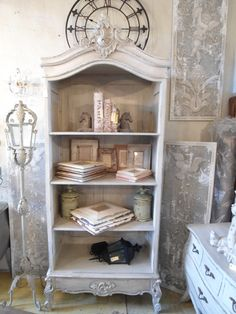 Frames, decor accessories, lights and fine french furniture