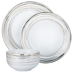 Delicate and classic dinnerware
