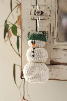 #Free #Knitting #Pattern Snowman pattern by Emily Ivey