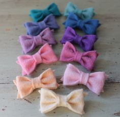 itty bitty bows.