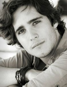 Rock of Ages hottie: Diego Boneta.