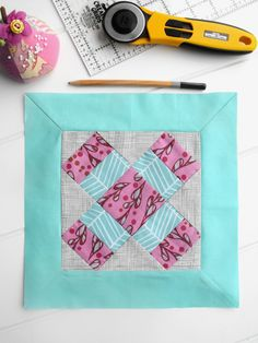 Mitered Borders ~ Learn to sew a mitered border for your quilts with this step-by-step tutorial!