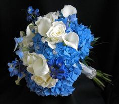 Hydrangea, Calla Lily, Roses and bouquet gems...i really like this!