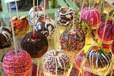 caramel apples & candy apples!