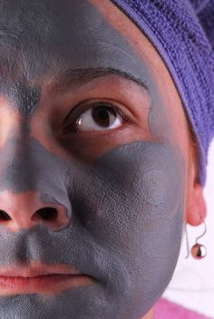 DIY facial mask that requires: 4 bananas 2 apples Blender 1 tbsp. lime or lemon 7 tbsp. honey Bowl Mild cleansing soap Facial tissue or clean towel