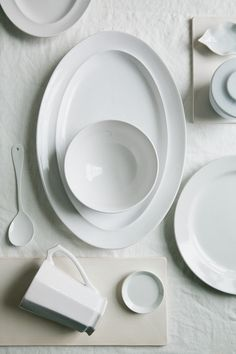 Simple White Homeware Roundup from Zola via oncewed.com