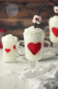 Kanela y Limón: Panna Cotta de chocolate blanco con corazones de gelatina /