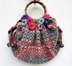 Eclectic Gipsyland: Un sac, du crochet, du Liberty, de la dentelle et quelques fleurs...