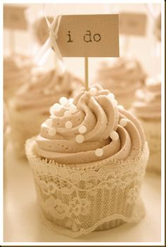 Totally making these for the next bridal shower.