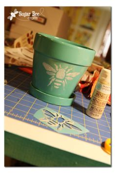 Sugar Bee Crafts: sewing, recipes, crafts, photo tips, and more!: Bee Stencil Flowers Pots, Photo Tips, Bees Theme, Photos Tips, Bees Stencils, Blog Title, Front Porches, Sugar Bees, Bees Crafts