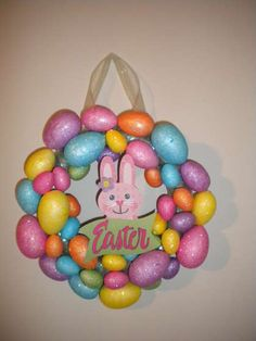 Easter Egg Wreath: A nice, simple wreath for all you crafters.
