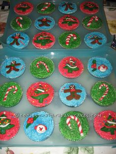 Coolest Christmas Cupcakes... This website is the Pinterest of homemade birthday cakes