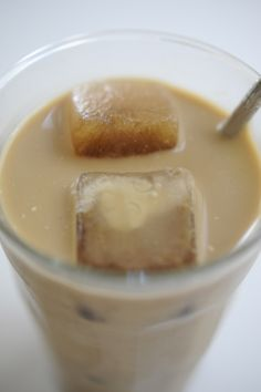 iced coffee w/ coffee ice cubes