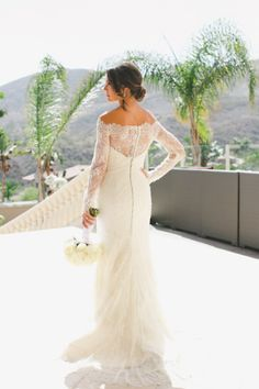 Romona Keveza dress: http://www.stylemepretty.com/little-black-book-blog/2014/10/01/elegant-san-clemente-estate-wedding/ | Photography: Onelove Photography - http://www.onelove-photo.com/