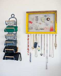 Beth & Jeff's Whimsical Vintage-Inspired Home Linda idea para organizar monederos o pequeños bolsos y bijouterie house tours, storage solutions, jewelry storage, apart therapi, clutch, picture frames, hous tour, whimsic vintageinspir, jeff whimsic