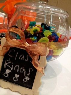 graduation party idea - cute!