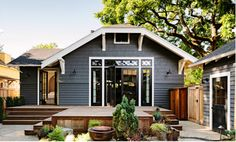 Jessica Helgerson Library House backyard patio ; Gardenista