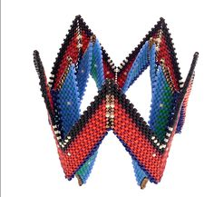 A project from Contemporary Geometric Beadwork, Volume II.  Kate McKinnon
