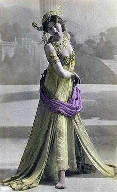 Mata Hari, 1906
