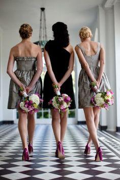 bridesmaid pose