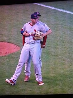 Freese and Kozma hugging it out in Game 1 NLCS