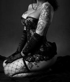 pretty black naughty lace lingerie, beauti, curv, sexi gothic, pin up girls, hot corset, tattoo boudoir